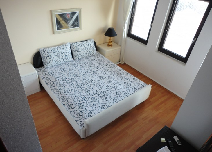 No. 3 Double Room Lake View 10